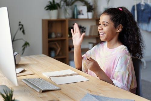 Un suivi particulier en ligne : la nouvelle tendance pour aider vos enfants à progresser